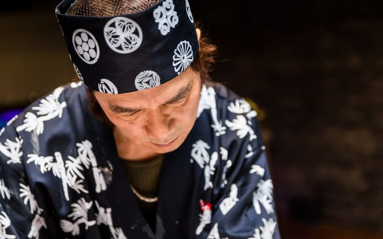 Bedrijfsfotografie van een sushi-chef