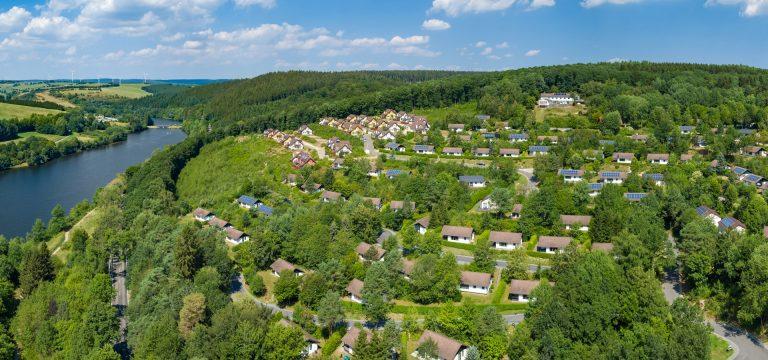 Drone foto van een vakantiepark