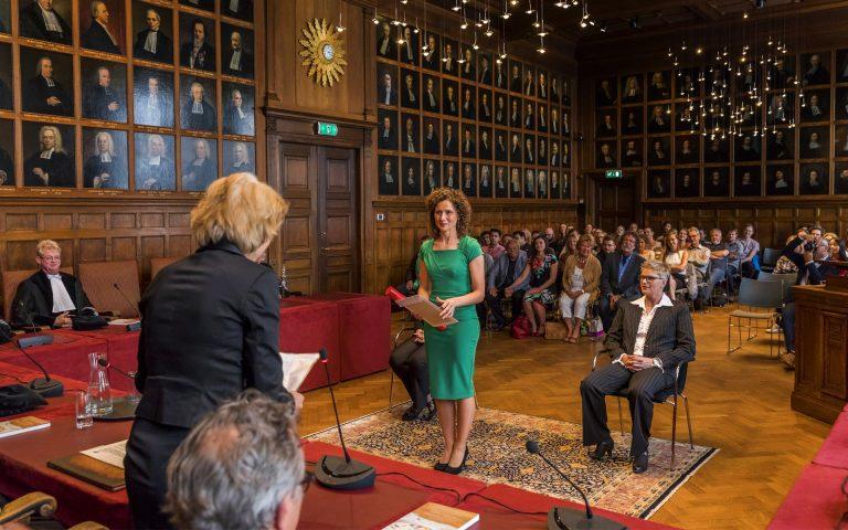 evenement fotografie van een diploma-uitreiking