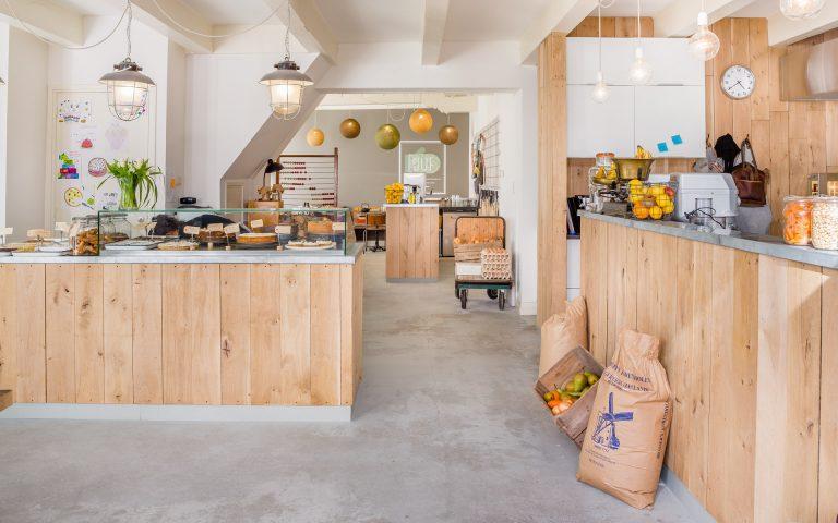 Interieurfoto van een taarten-winkel